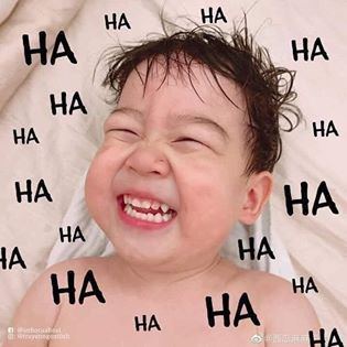 Thằng bé cười hahahahaha