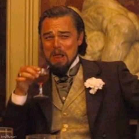 Cười khinh bỉ - Leonardo DiCaprio meme