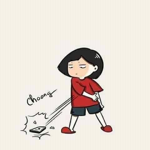 Bé gái áo đỏ ném điện thoại xuống đất