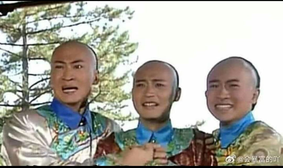 Ba nhân vật phim cổ trang Trung Quốc ôm nhau khóc