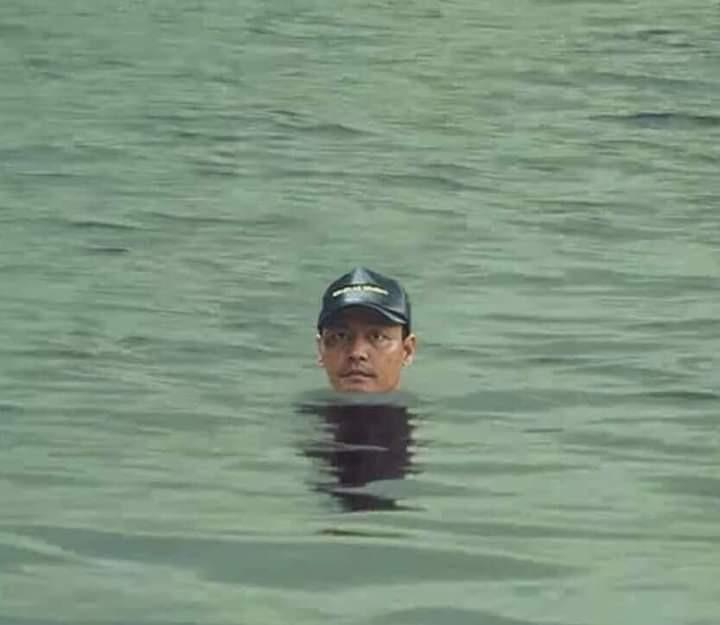 MC Phan Anh lênh đênh giữa biển nước giống như Đen Vâu