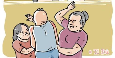 Mẹ và chị đánh con đến đỏ người hằn vết tay