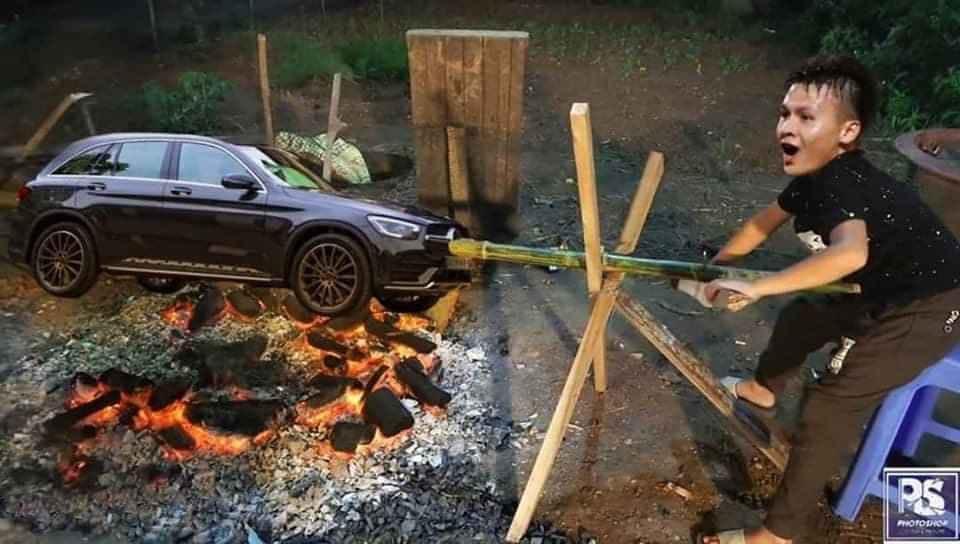 Hình ảnh Nguyễn Quang Hải quay xe Mẹc trên bếp than