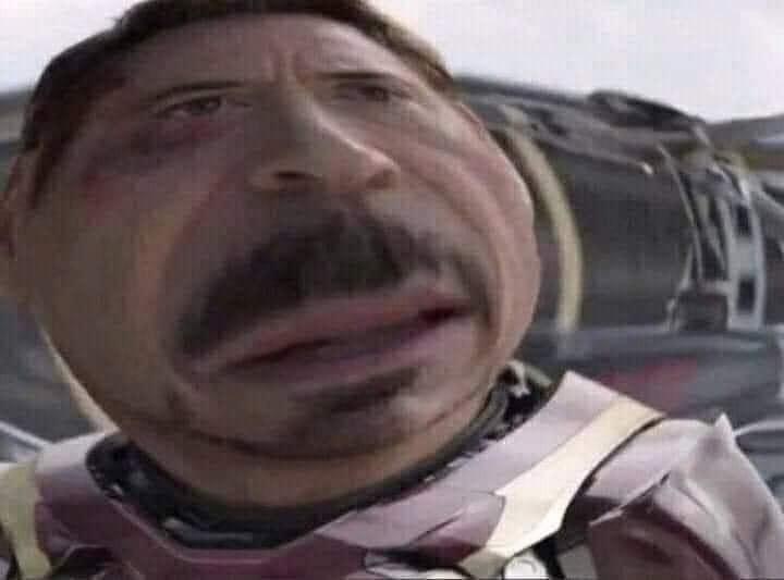 Iron man Người Sắt mặt khó hiểu bị bóp méo